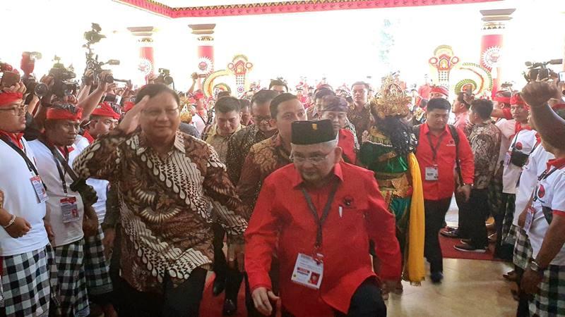 Ketua Umum Partai Gerindra Prabowo Subianto tiba di Kongres V PDIP di Bali, Kamis (8/8/2019). JIBI/Bisnis - Lalu Rahardian