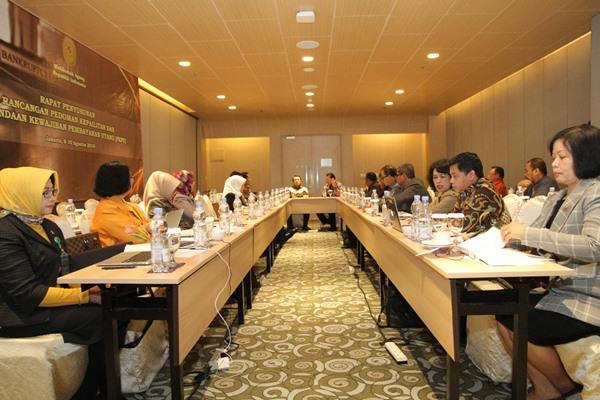Rapat lanjutan penyusunan Rancangan Pedoman Kepailitan dan Penundaan Kewajiban Pembayaran Utang (PKPU). - Humas MA