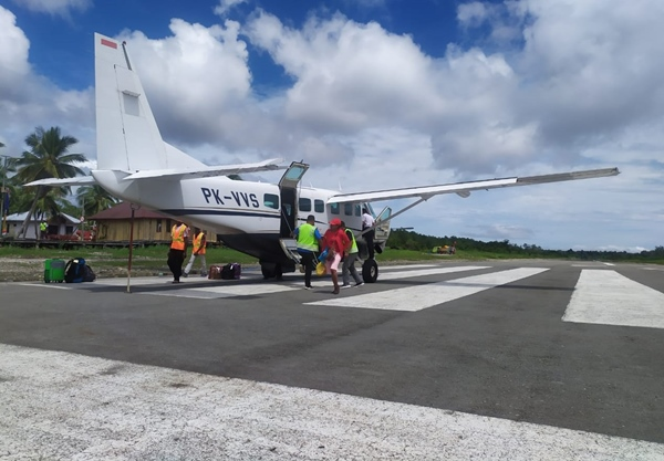 Bandara Ewer Papua. BISNIS - Ditjen Perhubungan Udara