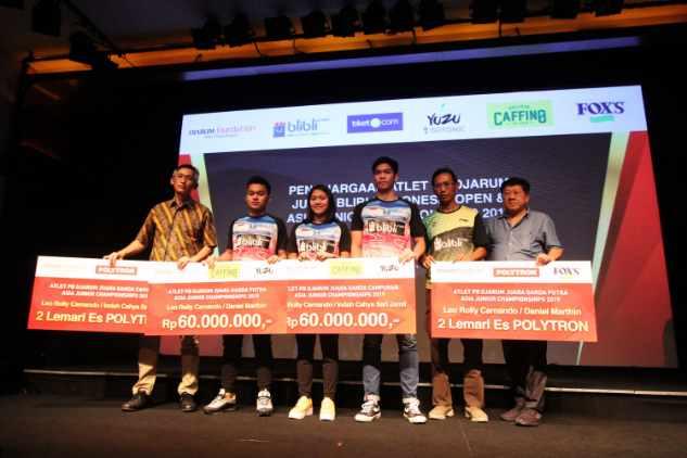 Bonus apresiasi bagi Indah Cahya Sari Jamil, Leo Rolly Carnando, dan Daniel Marthin, yang mampu berjaya menjadi ang terbaik di ajang Asia Junior Championships 2019. - Istimewa