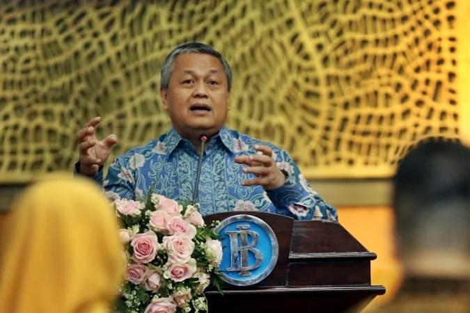 Gubernur Bank Indonesia Perry Warjiyo memaparkan materi pada acara sarasehan