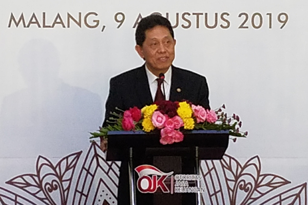 Kepala Eksekutif Pengawas Perbankan OJK Heru Kristiyana dalam acara  serah terima jabatan Kepala Kantor OJK Malang di Malang, Jumat 9 Agustus 2019. Bisnis - Choirul Anam