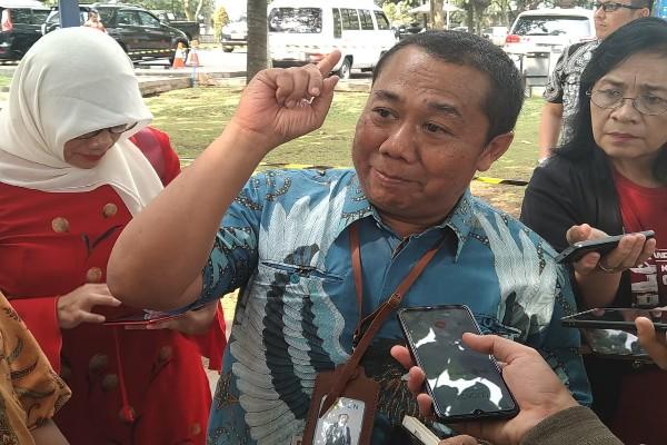 Senior Manager General Affair PLN Distribusi Jawa Barat Andhoko Soeyono - Bisnis/Wisnu Wage