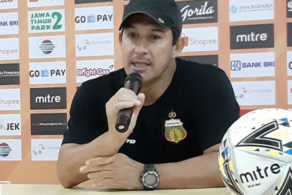 Pelatih Bhayangkara FC Angel Alfredo Vera. - Antara/Michael Siahaan