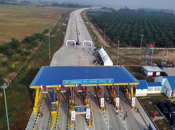 Jalan tol di Gerbang tol Tebing Tinggi - Sei Rampah siap dioperasikan, Sumatra Utara, Minggu (24/3/2019). - ANTARA/Septianda Perdana