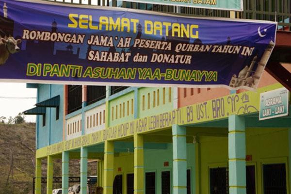 Panti Asuhan Ya Bunayya di Kecamatan Galang, Batam, menjadi salah satu lokasi tempat warga Singapura berbagi saat Idul Adha. - Bisnis/Bobi Bani