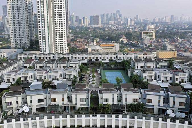 Foto aerial suasana perumahan yang berada di atas mal Thamrin City, Jakarta, Rabu (26/6/2019). Perumahan yang berada di atas mal Thamrin City ini terdiri dari lima blok yaitu A1-A19, B1-B12, C1-C19, D1-D16, E1-E15, dan F1-F9. - ANTARA/Nova Wahyudi
