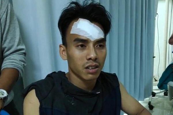 Ramli (23) menjalani perawatan medis RS Islam Pondok Kopi, Jakarta Timur, usai mengalami luka tembak senapan angin pada paha dan luka memar pada kepala, Minggu (11/8/2019). - Antara