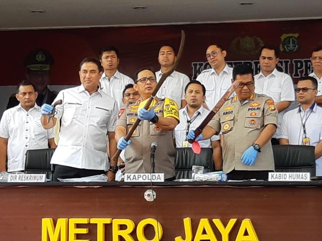 Kapolda Metro Polda Metro Jaya Irjen Pol Gatot Eddy Pramono (tengah) saat memberikan keterangan pers terkait kegiatan kepolisian yang ditingkatkan di wilayah Polda Metro Jaya, Senin (12/8/2019) - Bisnis/Rayful Mudassir