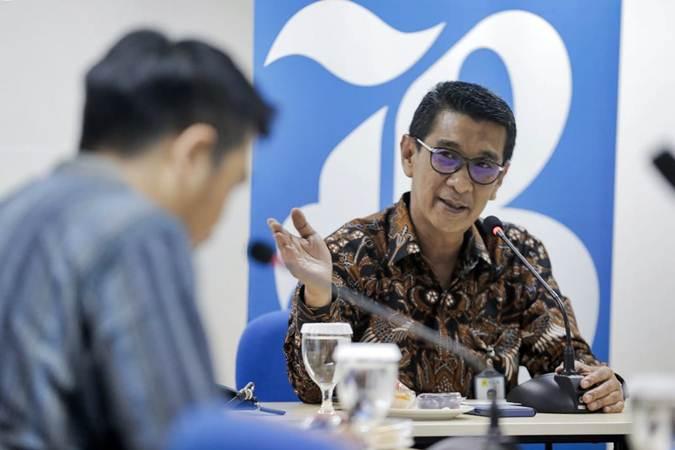 General Manager Perusahaan Listrik Negara (PLN) Muhammad Ikhsan Asaad memberikan penjelasan saat berkunjung ke Wisma Bisnis Indonesia, di Jakarta, Kamis (25/7/2019). - Bisnis/Felix Jody Kinarwan