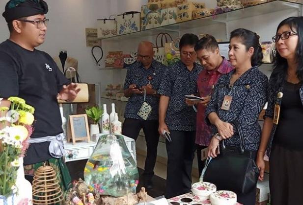 Kunjungan monitoring ke Bali Decoupage - Instagram @balidecoupage