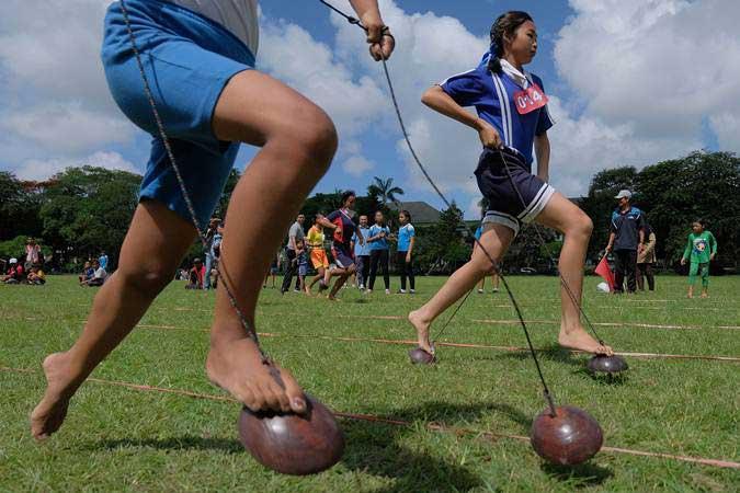 Pemkot Palembang Bangkitkan Permainan Tradisional Peringati Hut Ri