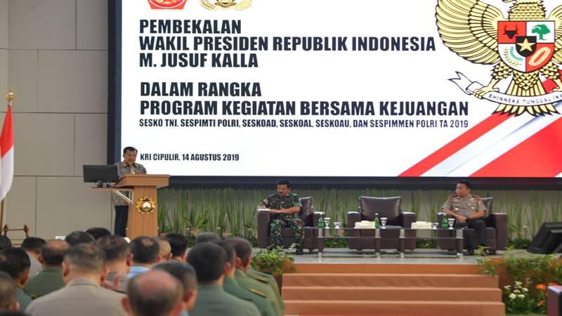 Wapres Jusuf Kalla (JK) di hadapan para Perwira TNI Polri di Seskoal Jakarta, Rabu (14/8/2019). - Dok. Sekretariat Wapres