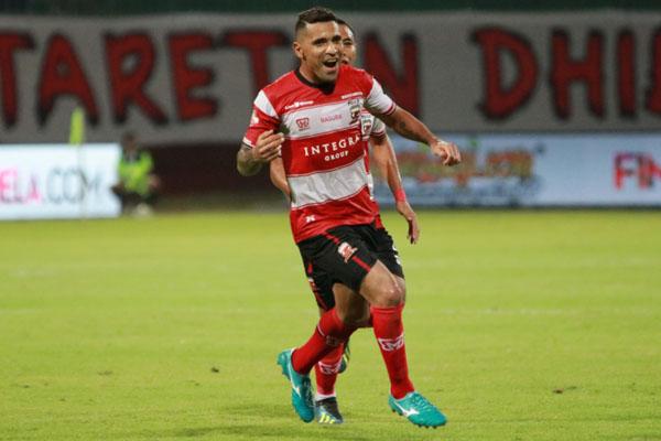 Ujung tombak Madura United Beto Goncalves termasuk yang dipanggil masuk TC Timnas Indonesia ke Pra-Piala Dunia 2022. - Liga-Indonesia.id