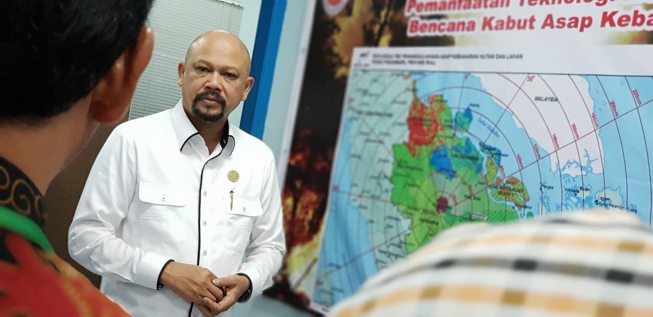 Kepala BPPT Hammam Riza pantau Posko Operasi Teknologi Modifikasi Cuaca untuk Karhutla Riau di Lanud Rusmin Noerjadin Pekanbaru, Riau, Kamis (15/08/2019) - istimewa