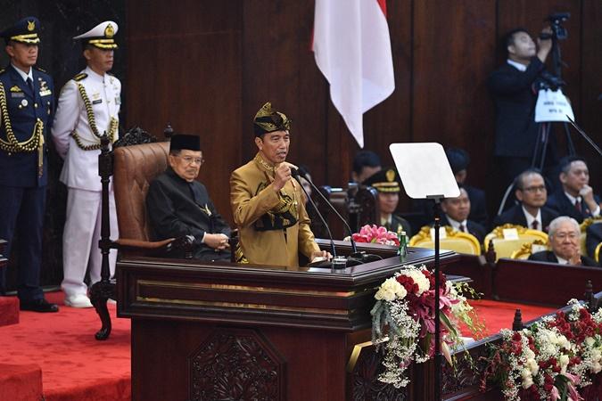 Presiden Joko Widodo menyampaikan pidato dalam Sidang Tahunan MPR di Kompleks Parlemen, Senayan, Jakarta. - Antara/Puspa Perwitasari