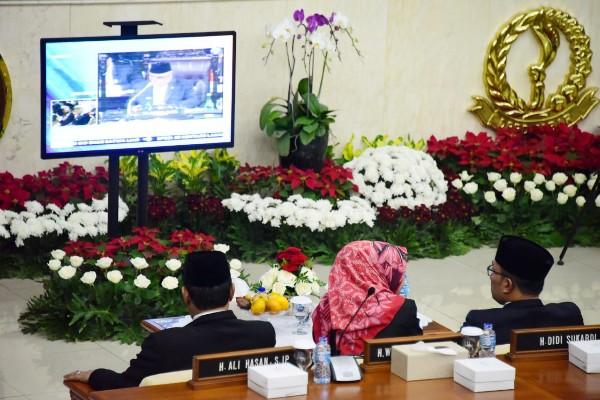 Ridwan Kamil menyaksikan pidato kenegaraan Presiden Jokowi - Bisnis/Wisnu Wage