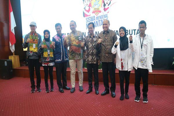 Managemen PT Jasa Raharja bersama siswa SMN Tahun 2019 dari Provinsi Kalsel dan Sumbar - Arief Rahman