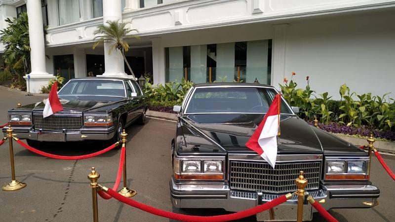 Sedan Cadillac yang digunakan Presiden Soeharto pada 1987-1990 dipajang di halaman Istana Negara, Sabtu (17/8/2019). JIBI/Bisnis - Amanad Kusumawardhani