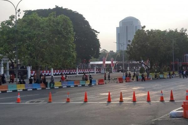 Kepolisian Daerah (Polda) Metro Jaya melakukan sejumlah pengaturan lalu lintas di sekitar Istana Negara untuk mengantisipasi kegiatan Upacara 17 Agustus 2019.  - Antara