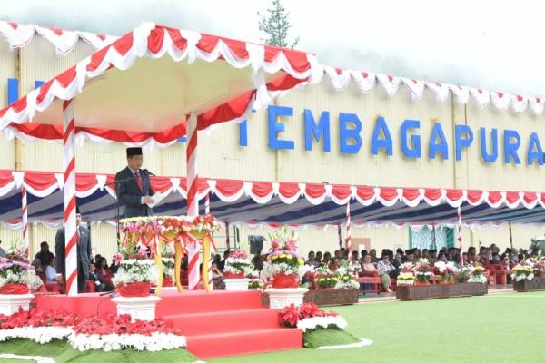 Menteri Energi Dan Sumber Daya Mineral (ESDM) Ignasius Jonan memimpin upacara bendera di Freeport, Papua, Sabtu (17/8/2019) - Istimewa