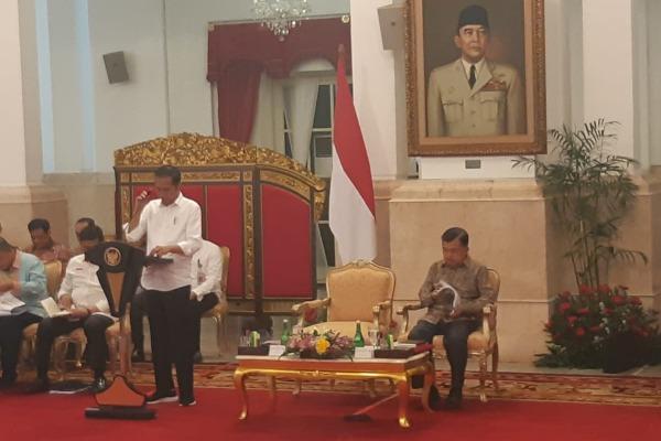 Presiden Joko Widodo memimpin Sidang Kabinet Paripurna membahas Rancangan Undang-undang beserta Nota Keuangan Rancangan APBN Tahun Anggaran 2020 di Istana Negara, Jakarta, Senin (5/8/2019). - Bisnis/Yodie Hardiyan