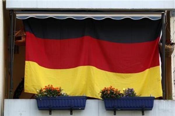 Ilustrasi: Bendera Jerman terpasang di sebuah rumah di Dortmund, 19 Juni 2012. - Reuters