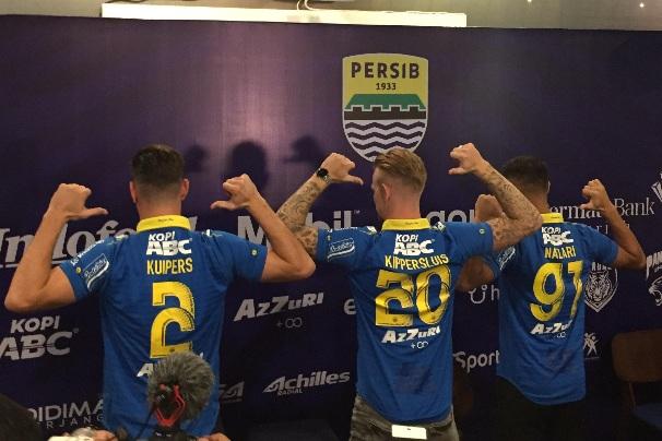 3 Pemain baru Persib, yakni Nick Kuipers, Kevin van Kippersluis dan Omid Nazari - Bisnis - Dea Andriyawan