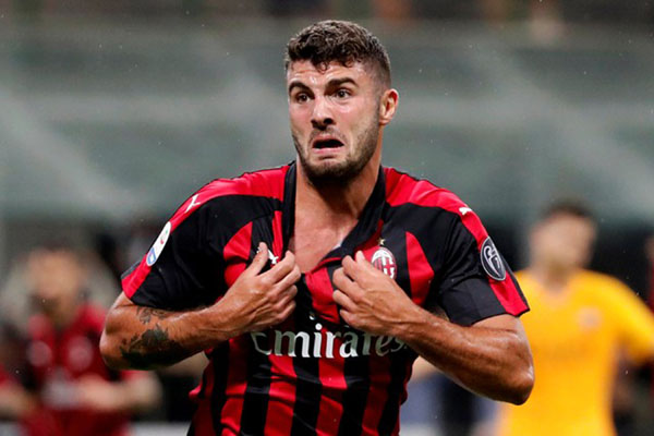 Mantan ujung tombak AC Milan Patrick Cutrone - Reuters/Stefano Rellandini