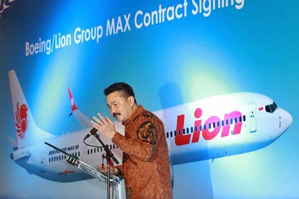 Founder Lion Air Group Rusdi Kirana memberikan sambutan saat penandatanganan kerja sama Certificate of Purchase 50 Boeing 737 MAX 10 di Jakarta, Selasa (10/4/2018). - JIBI/Dwi Prasetya