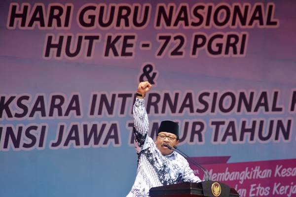 Mantan Gubernur Jawa Timur Soekarwo. - Antara/Umarul Faruq