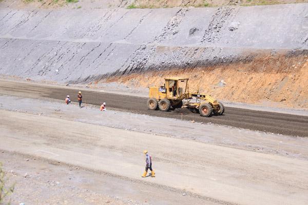 Ilustrasi - Pembangunan jalan tol Manado - Bitung. Gambar diambil pada Rabu (10/10/2018). - Istimewa/PT Jasa Marga