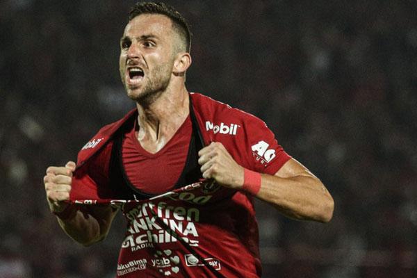 Penyerang Bali United Ilija Spasojevic selepas menjebol gawang Arema FC. - BaliUtd.com