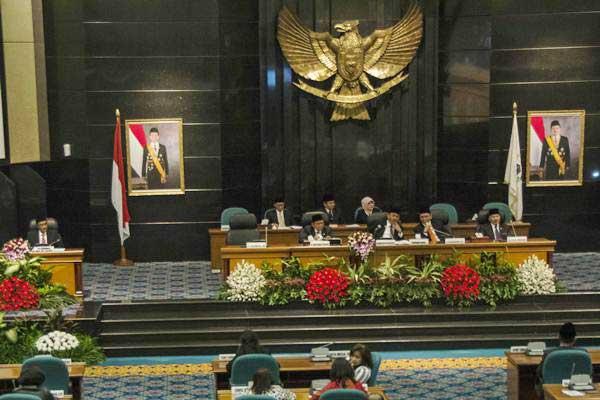 Suasan rapat paripurna istimewa DPRD DKI Jakarta. - Antara/Aprillio Akbar