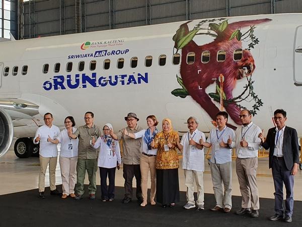 Sriwijaya Air Group memperkenalkan livery pesawat untuk mempromosikan kegiatan oRUNgutan guna pelestarian satwa langka, Senin (26/8/2019). - Bisnis/Rio Sandy Pradana