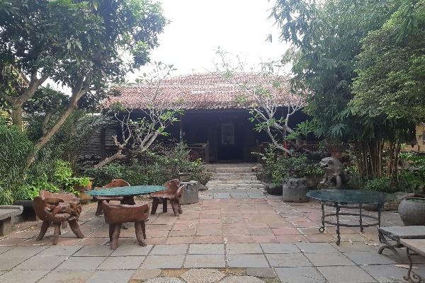 Rumah Kebaya tampak dari depan. Rumah ini menjadi salah satu bangunan khas Cina Benteng yang tersisa di Kecamatan Panongan. - Rivki Maulana