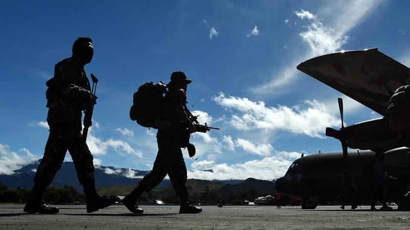 Aparat Bersiap menyisir Kelompok Bersenjata - ANTARA/Yusran Uccang