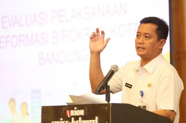 Sekda Kota Bandung Ema Sumarna - Bisnis/Dea Andriyawan