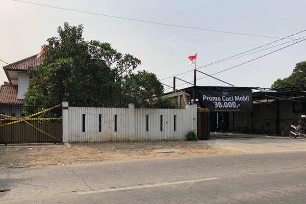 Rumah korban diberi garis polisi - Bisnis/Sholahuddin Al Ayyubi