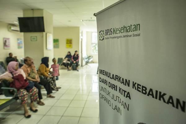 Calon pasien menunggu antrean di RSUD Jati Padang, Jakarta, Senin (7/1/2019). - ANTARA/Aprillio Akbar