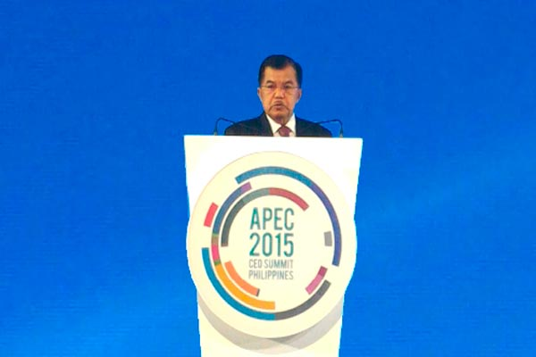 Wapres RI Jusuf Kalla menjadi pembicara pada acara APEC Ceo Summit 2015 Summit Dialogue On Growth Securing Growth In A Volatile World: What Is To Be Done? bertempat di Ballroom Hall, Shangri-La . - Wapresri