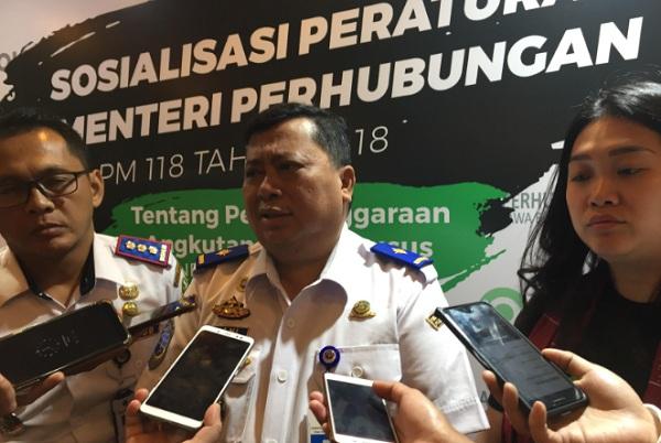 Direktur Angkutan Jalan Darat Dirjen Perhubungan Darat Kemenhub Ahmad Yani (tengah) - Bisnis/Wisnu Wage