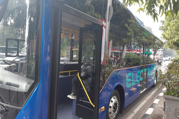 Bus listrik - Bisnid/Rinaldi M Azka