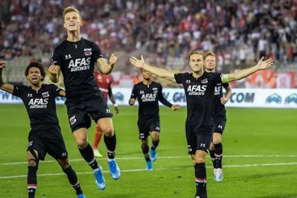 Az Alkmaar Ikuti Feyenoord Psv Ke Fase Grup Liga Europa Bola Bisnis Com