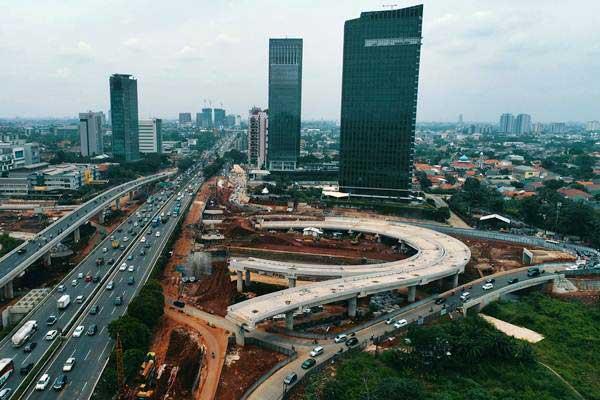Foto aerial pembangunan jalan tol Antasari-Depok, di Cilandak, Jakarta, Minggu (19/11). - JIBI/Nurul Hidayat