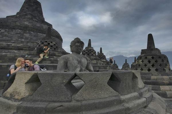 Candi Borobudur - Antara