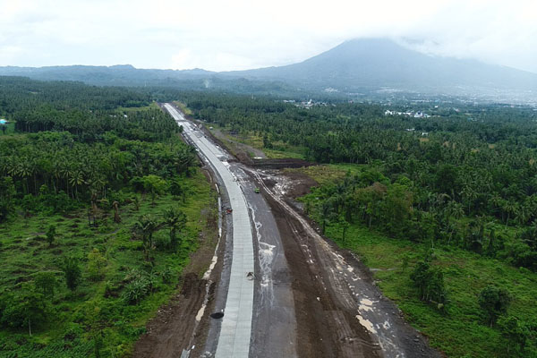 Perkembangan proyek pembangunan jalan tol Manado-Bitung di Sulawesi Utara pada Selasa (3/7/2018). - Istimewa/PT Jasamarga Manado Bitung