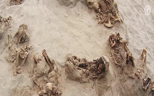 Kerangka anak-anak ditemukan di situs Las Llamas di Peru utara - Sumber: The Guardian