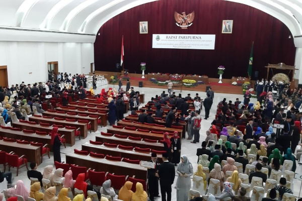 Suasana Gedung Merdeka sebelum pelantikan anggota DPRD Jabar - Bisnis/Wisnu Wage