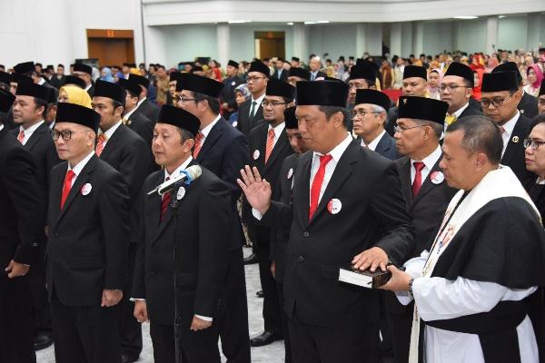 Pelantikan anggota DPRD Jabar - Istimewa